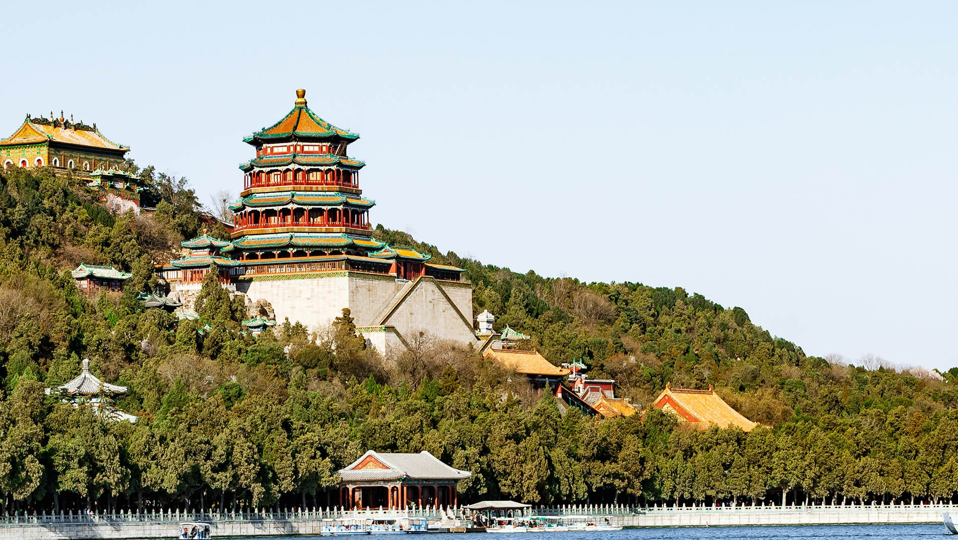 Summer Palace~Paris boasts the palace of Versailles, St Peterburg Peterhof. Dowager Empress Cixi expanded the buildings by Kunming Lake to create an imposing summer residence. At over one square mile, you'll be wishing you had more time to explore the lake, imperial palaces and exquisite gardens.